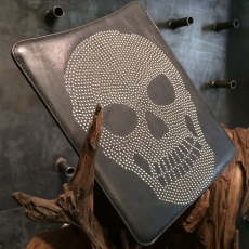 AARTS - Custodia Luxury Skull in Vera Pelle con Borchie per iPad 2/3/4 - Nero